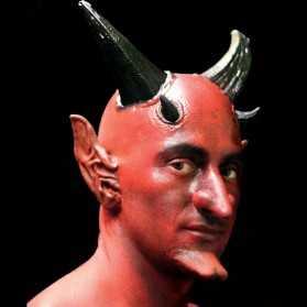 Faux Crâne Chauve Rouge en latex style Démon
