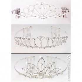 1 Tiare avec strass pour Jolie Princesse (existe en 3 modèles)