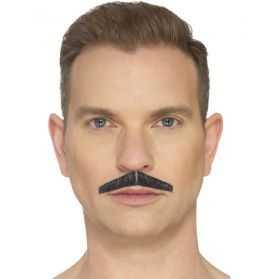 Moustache soignée pour se déguiser