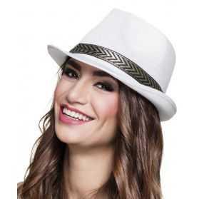 chapeau blanc pour soirée de groupe